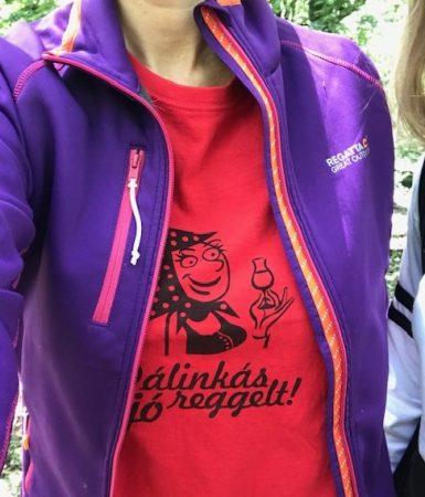 Pálinkás jó reggelt T-shirt, lány, piros